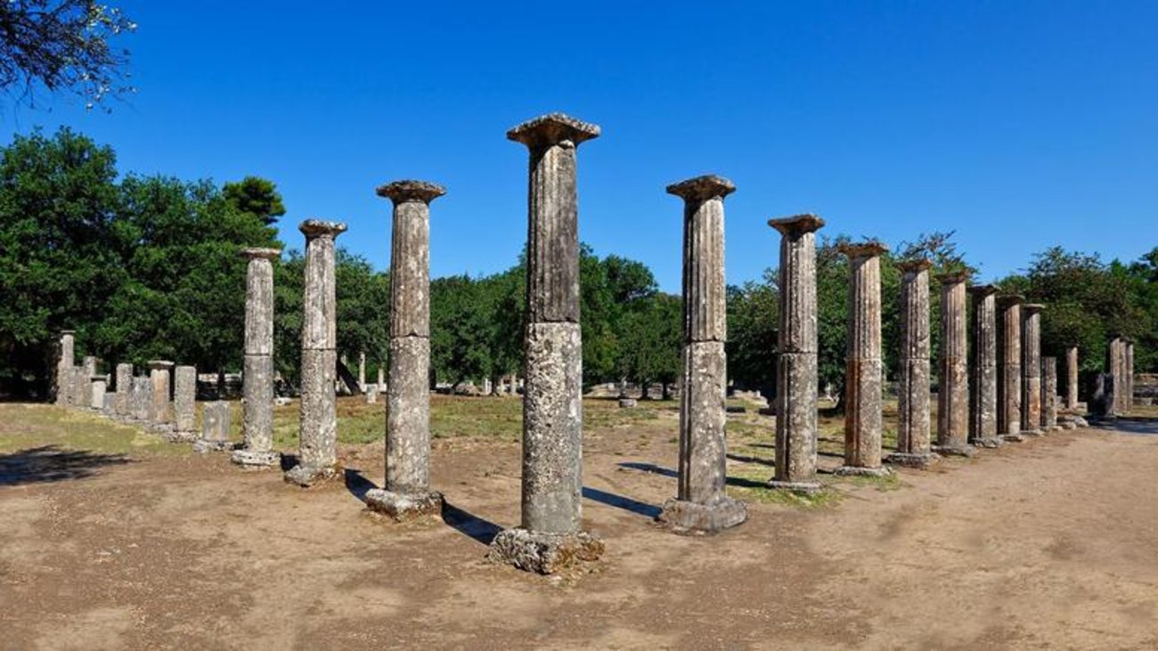 ancient-olympia-excavations-reveal-30m-colonnade.w_hr.jpg