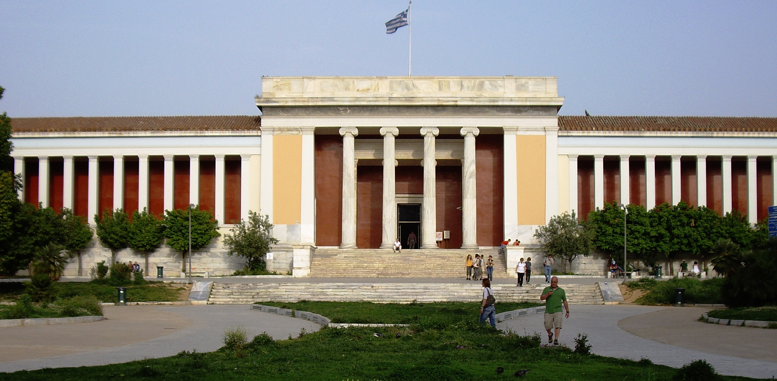 national_archaeological_museum_athens_building.jpg